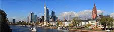Frankfurt Skyline - Blick von der Alten Brücke