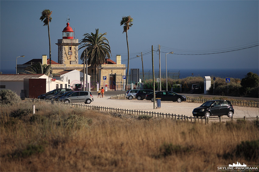 Portugal Algarve Holztreppe zum Strand von Lagos