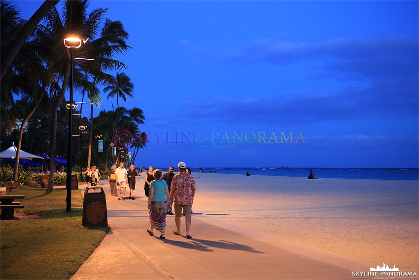 hawaii strandpromenade am Abend