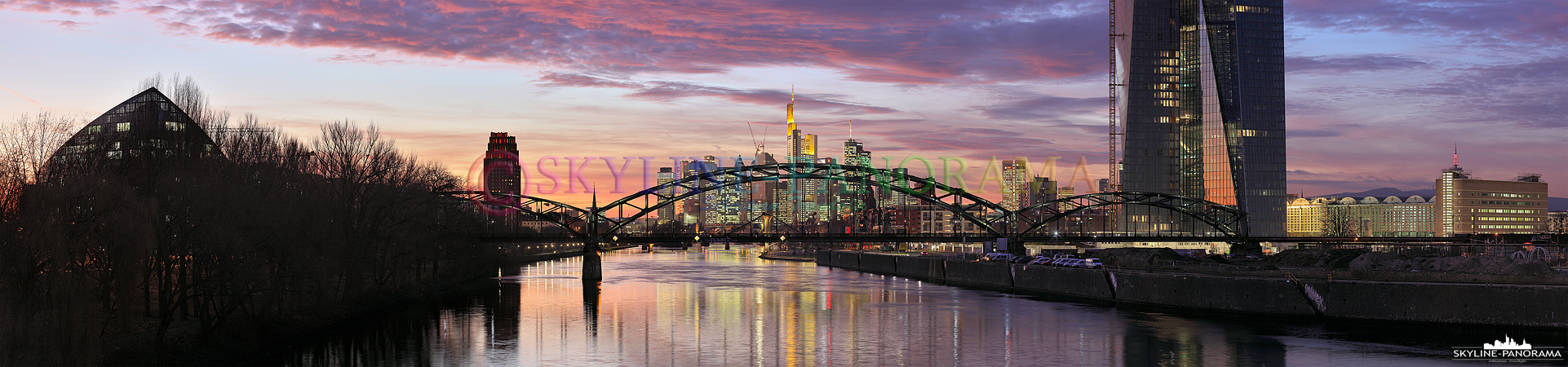 Frankfurt von der Osthafenbrücke