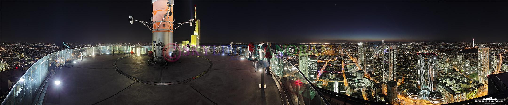 Skyline Frankfurt - 360° Panorama Rundschau vom Frankfurter Maintower in der Nacht.