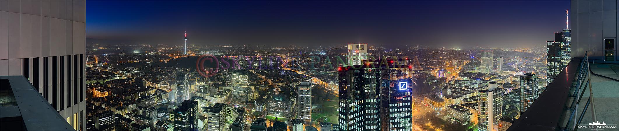 Bilder der Skyline - Das abendliche Panorama der Stadt Frankfurt vom Trianon Tower mit Blick in Richtung Norden.