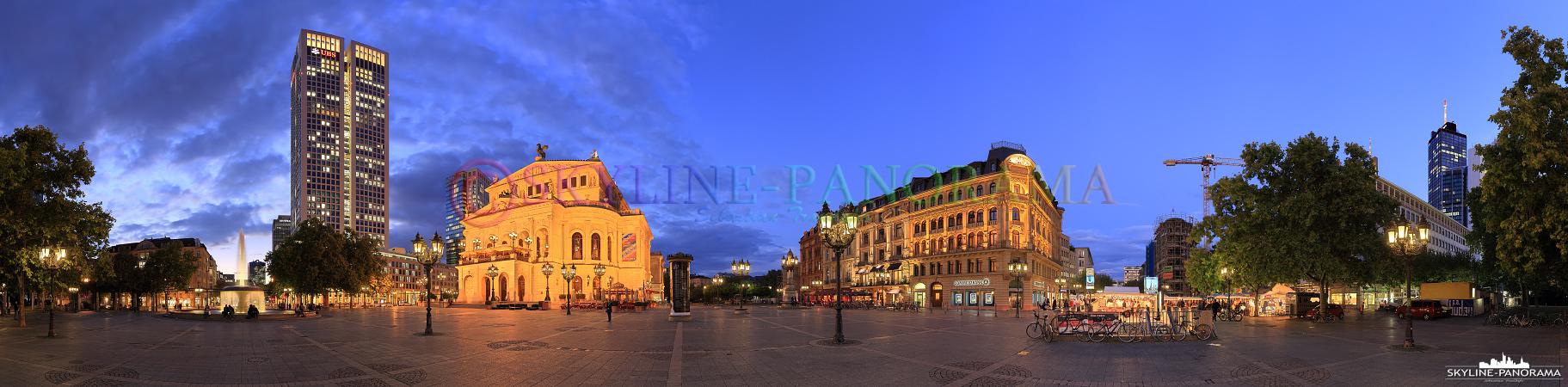 Panorama Alte Oper - Der Frankfurter Opernplatz mit der historischen Alten Oper und dem alles überragenden Opernturm als Panorama zur Blauen Stunde.