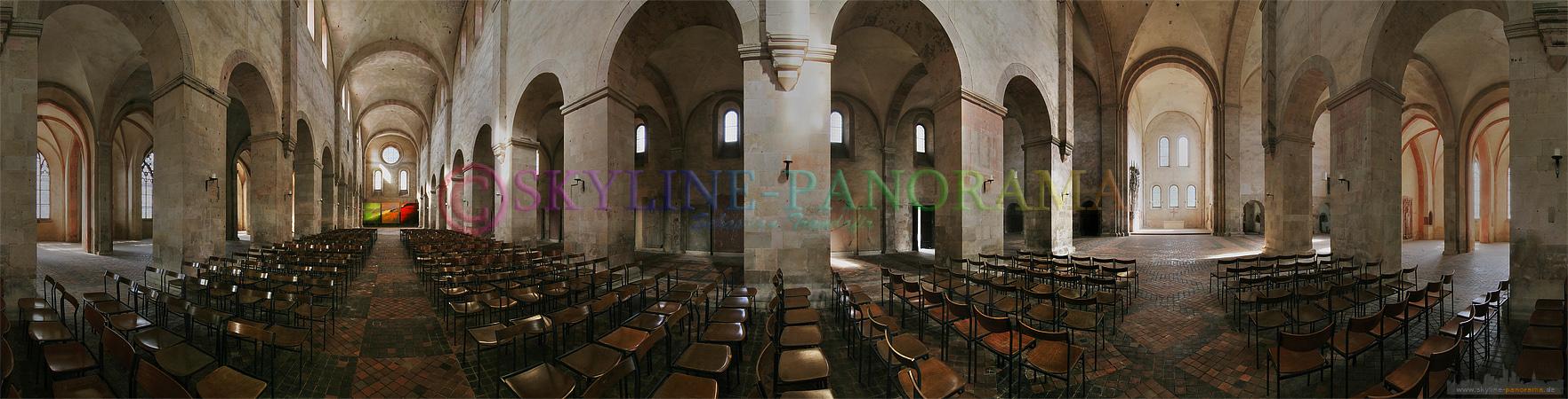 Panorama Bild - In der Klosterkirche des Kloster Eberbach finden über das Jahr verteilt zahlreiche kulturelle Veranstaltungen statt.