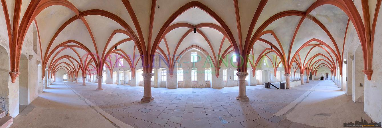 Panorama Bilder - Das Mönchsdormitorium im bekannten Kloster Eberbach, es diente als Schlafsaal der Mönche.