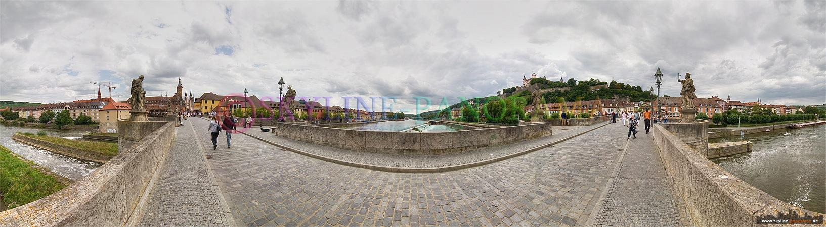 Panorama Bilder - Würzburg von der Alten Mainbrücke gesehen, im Hintergrund kann man die Marienfestung erkennen.