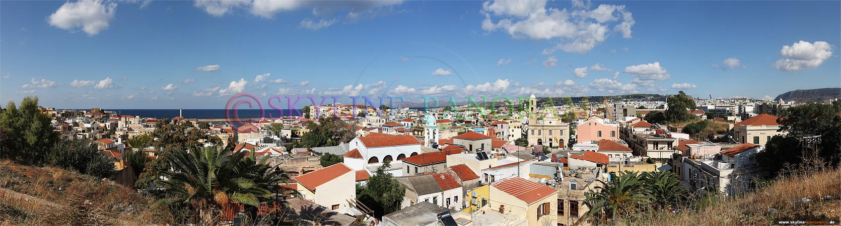 Panorama Insel Kreta - Überblick über einen großen Teil der Kretanischen Stadt Chania am Tag.