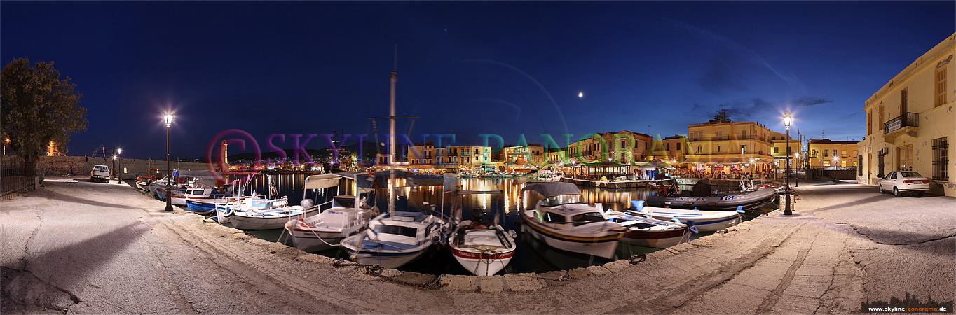 Bilder aus Griechenland - Panorama des venezianischen Hafens von Rethymnon auf der griechischen Insel Kreta zur Blauen Stunde.