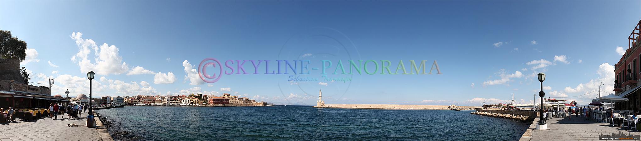 Panorama Kreta - Das Hafenbecken mit dem bekannten Leuchtturm von Chania, im Westen der Insel Kreta.