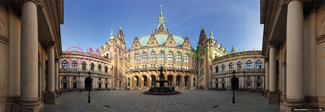 Bilder aus Hamburg - Panorama im Innnhof des Hamburger Rathauses mit dem Hygieia-Brunnen im Zentrum.