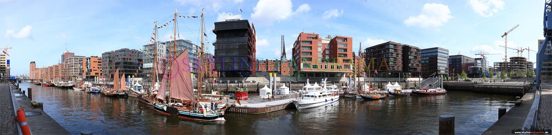 Bilder aus Hamburg - Blick in den Sandtorhafen zum Hamburger Hafengeburtstag 2009.