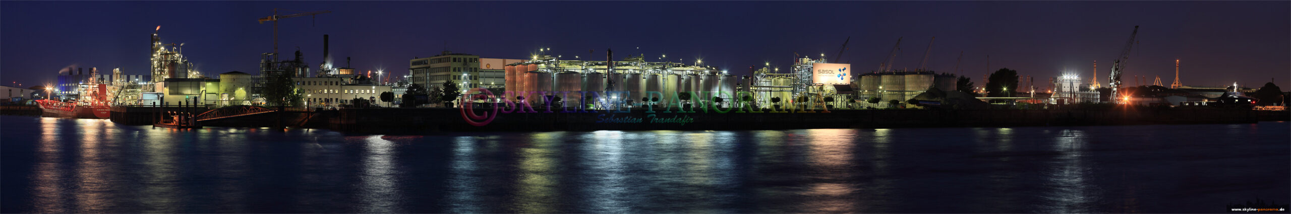 Bilder aus Hamburg - Panoramabild der Hamburg Hafenanlagen.