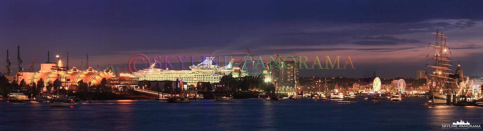 Panorama Bilder - Der Hamburger Hafen zum Hafengeburtstag 2009.