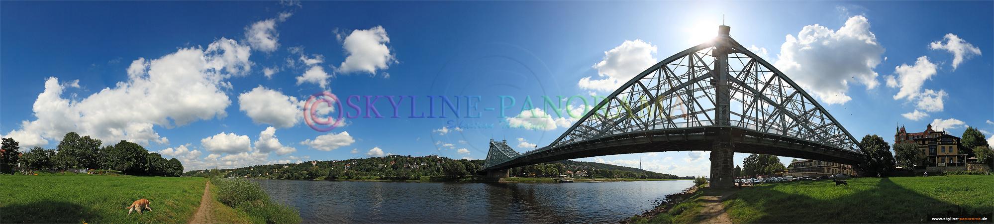 Bilder aus Dresden - Das Dresdner Elbuferpanorama mit der Löschwitzer Brücke, die auch als Blaues Wunder bekannt ist.
