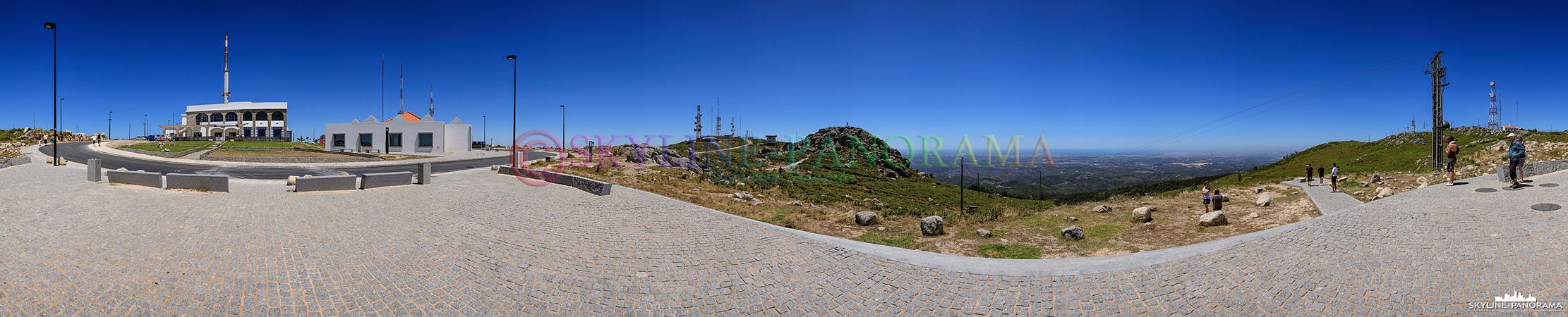 Portugal Bilder Algarve - Der 902m hohe Gipfel des Fóia ist der höchste Punkt des Monchiquegebirges und der Algarve.