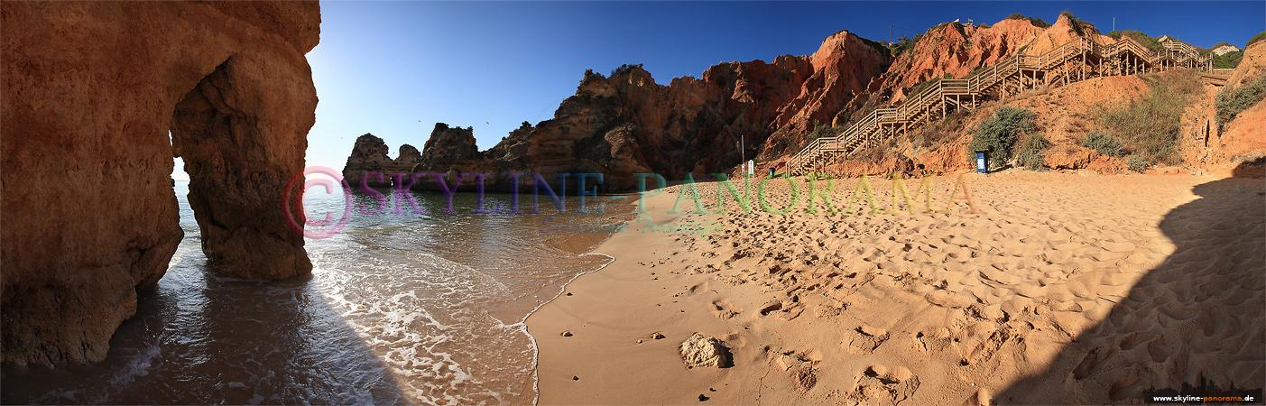 Panorama aus Portugal - Bilder Algarve | Sandstrand und die Felsformationen der Steilküste bei Lagos.