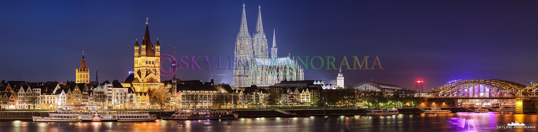 Panorama der Kölner Skyline in der Nacht aufgenommen
