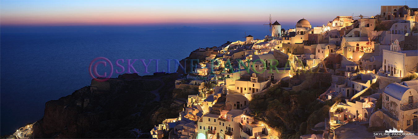 Oia Sonnenuntergang - Den bekanntesten Sonnenuntergang von Santorini kann man vom Lontza Kastell aus in Oia genießen, von hier sieht man das Kykladendorf...
