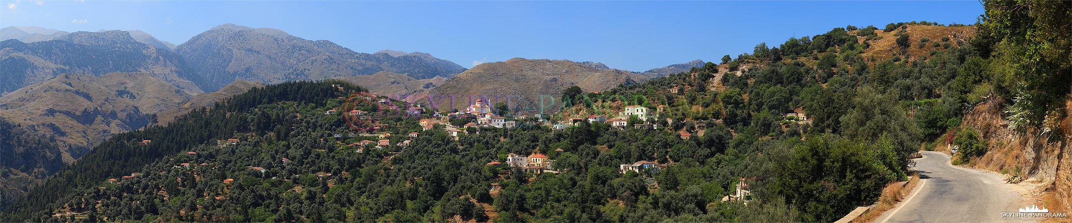 Kretas Gebirgslandschaft in der Nähe der kleinen Ortschaft Lakkoi, ungefähr auf halben Weg zwischen Chania und dem Einstiegspunkt in die Samaria Schlucht.