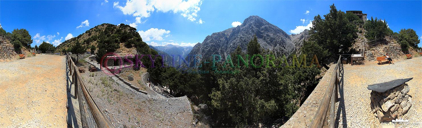 Einstieg in die Samaria Schlucht, von hier aus starten in jeder Saison mehrere tausend Touristen um die ca.18 km lange Schlucht bis Agia Roumeli zu durchwandern