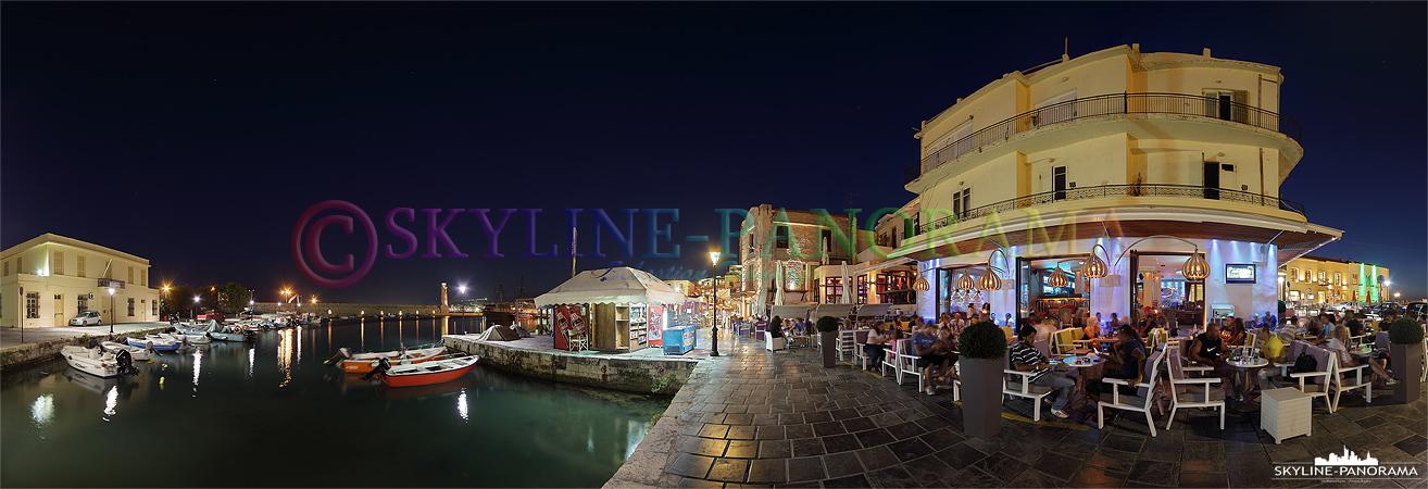 Bars und Restaurants am venezianischen Hafen von Rethymnon.