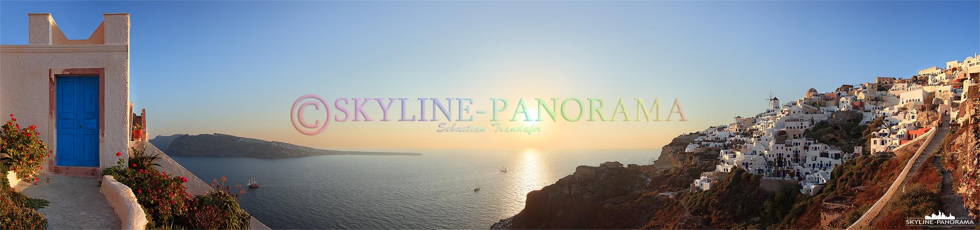 Der Sonnenuntergang von Oia zählt zu den schönsten Erlebnissen die Urlauber von dieser Insel mitbringen, dieses Panorama entstand ungefähr auf halber Strecke...