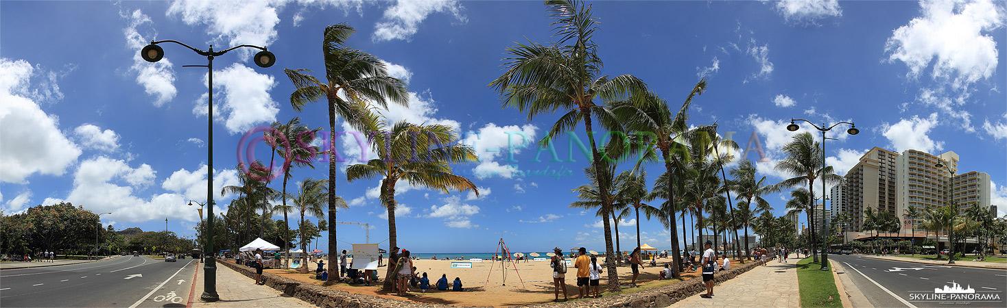 Panorama Bilder Hawaii - Am Rand des bekannten Waikiki Beach, viele Touristen kommen allein wegen diesem Traumstrand auf die hawaiianische Insel O´ahu.
