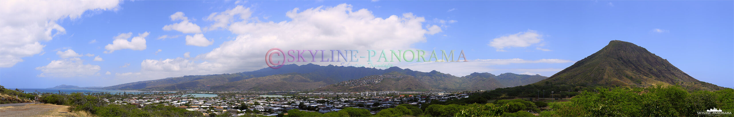 Bilder aus Hawaii - Das Panorama zeigt den Blick über den Ort Hawaii Kai zum bekannten Koko Head Krater von O´ahu Hawaii.