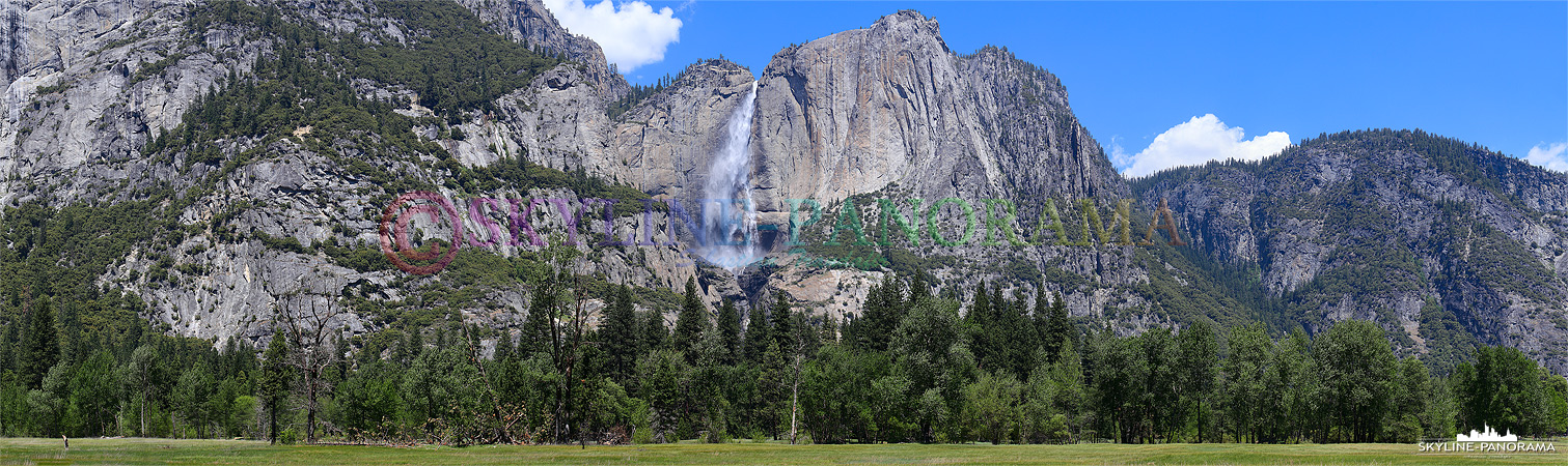 Panorama aus dem Yosemite Nationalpark - Die Wassermassen der Yosemite Falls ergießen sich nach insgesamt 739 Metern fast freiem Fall in den Talgrund.