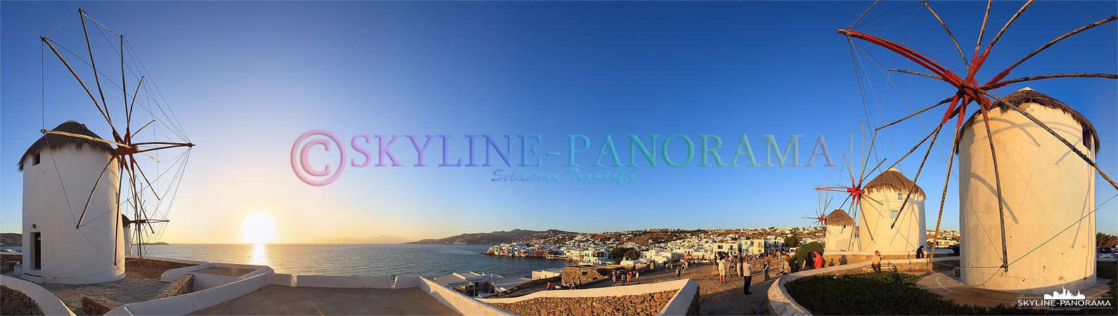 Der Mühlenberg ist einer der Plätze um den Sonnenuntergang von Mykonos erleben zu können. Zahlreiche Touristen versammeln sich im Schatten der fünf Windmühlen.