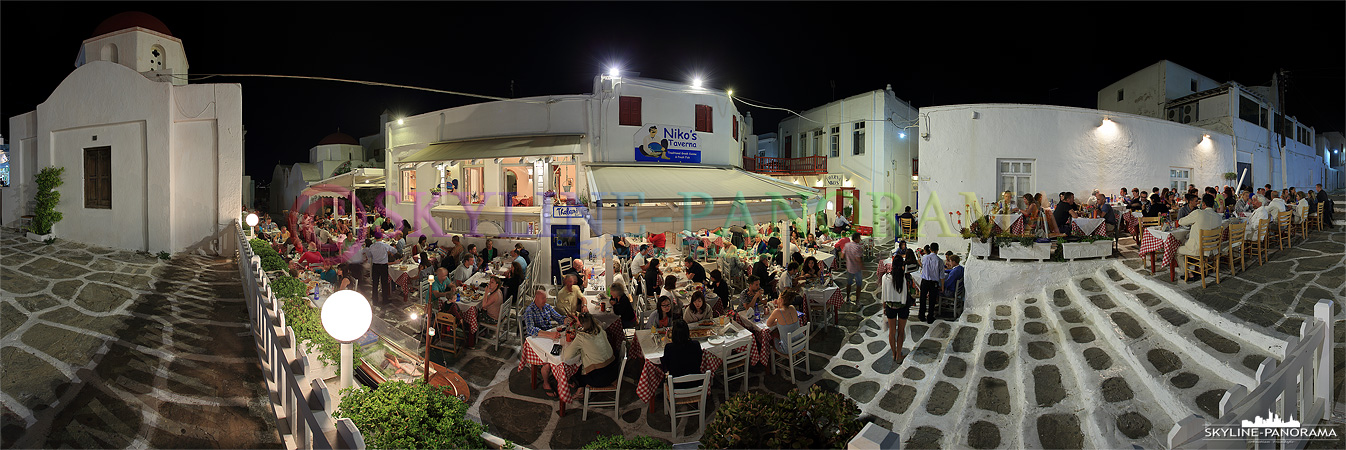 In der Chora von Mykonos gibt es ein reichhaltiges Angebot an Cafés, Restaurants, Bars und Diskotheken, hier ist für jeden Geschmack und Geldbeutel etwas dabei.