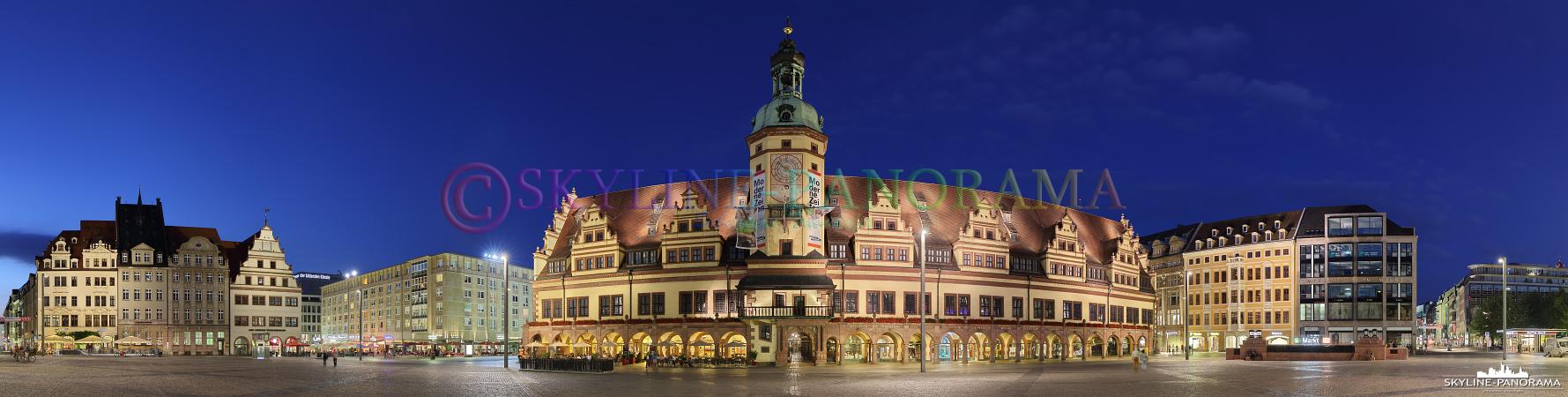 Panorama Leipzig - Das Alte Rathaus von Leipzig mit dem asymmetrisch angeordneten Rathausturm ist eines der bedeutendsten Gebäude der Renaissance in Sachsen.