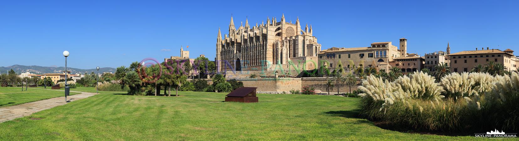 Panorama Bilder - Die Kathedrale von Palma, der Hauptstadt der Baleareninsel Mallorca.