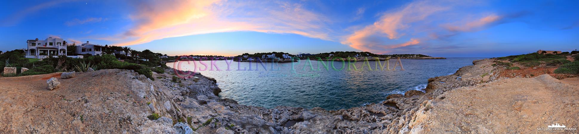 Bilder von Mallorca - Der Ort Cala d'Or, an der Ostküste Mallorcas, ist bekannt für seine malerisch gelegenen Badebuchten.