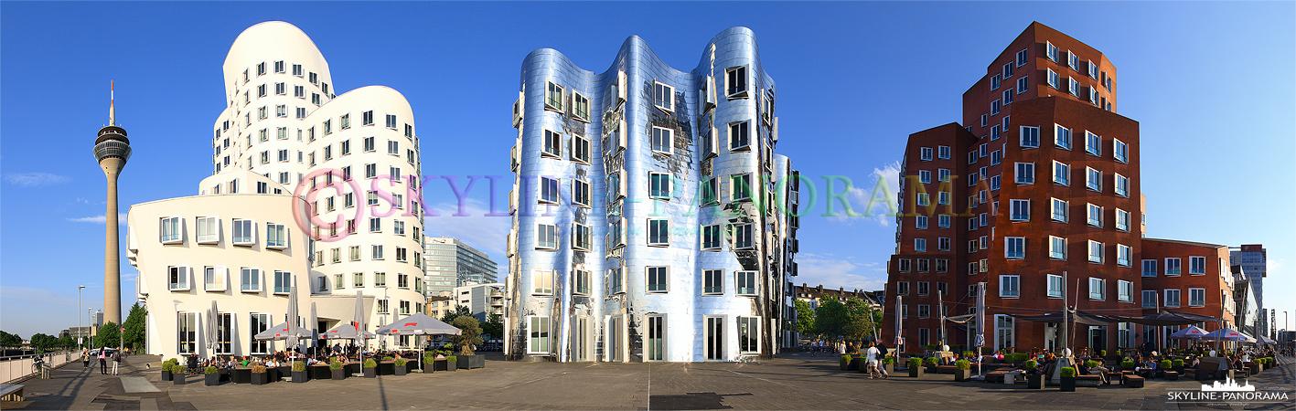 Bilder aus Düsseldorf – Panoramaansicht der bekannten Gehry-Bauten im Düsseldorfer Mediahafen.