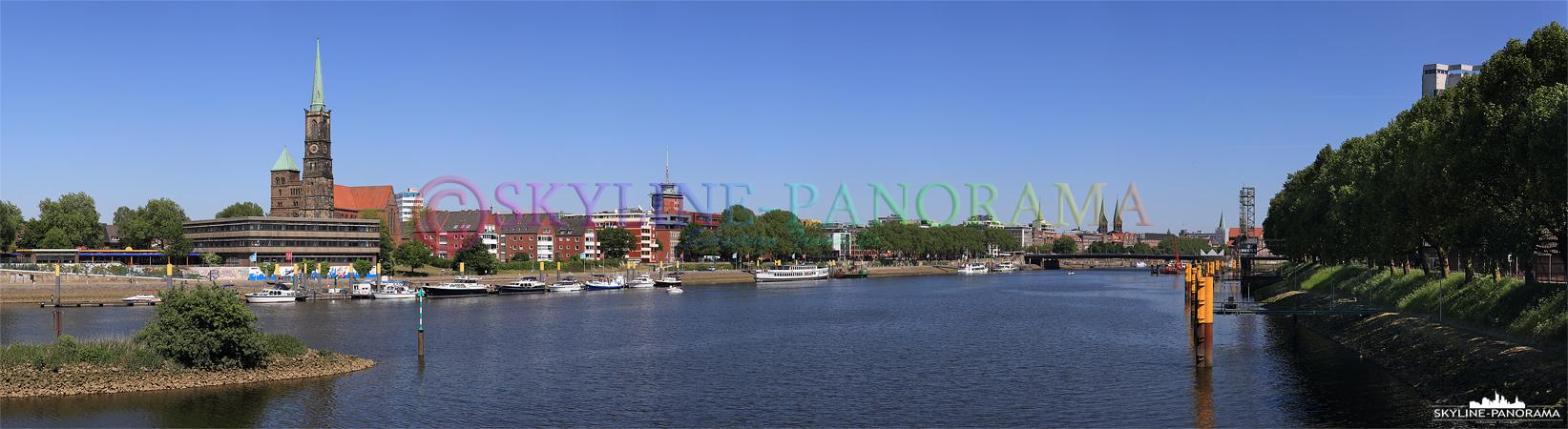 Bilder Bremen - Panorama von der Stephanibrücke aus auf die Weser und die Altstadt von Bremen.
