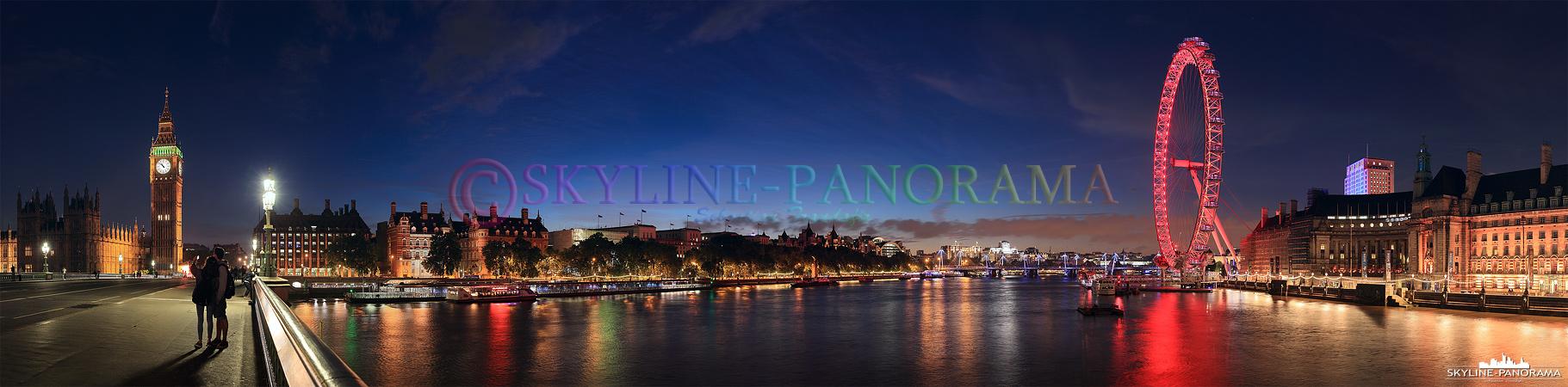 Wahrzeichen von London – Dieses Panorama zeigt den Blick von der Westminster Bridge aus auf das Londoner Wahrzeichen Big Ben und das Riesenrad London Eye.