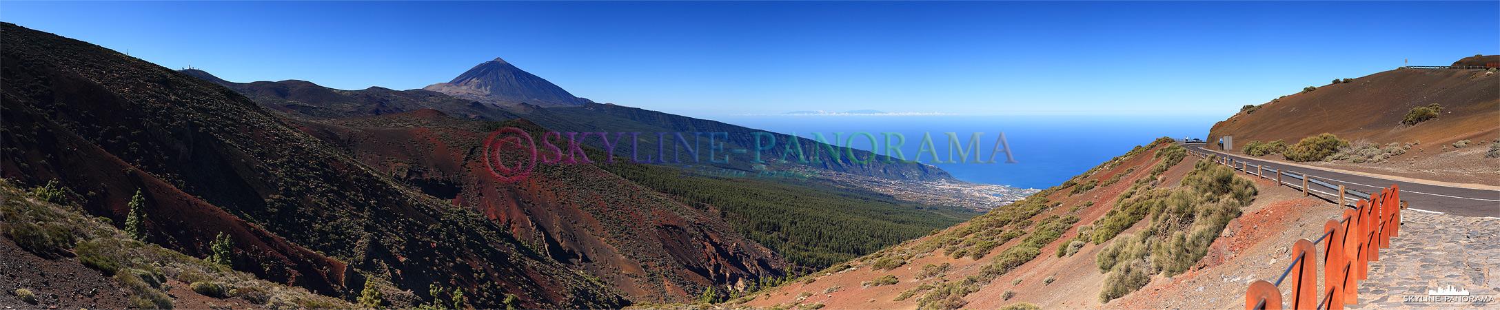 Oberhalb der Baumgrenze wird die Landschaft karger und die Vegetation spärlicher, auf diesem Panorama kann man links das Teide Observatorium erkennen.
