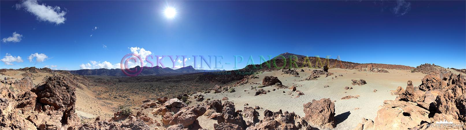 Panorama Teneriffa - Blick auf die erkalteten Lavaströme im Teide Nationalpark.