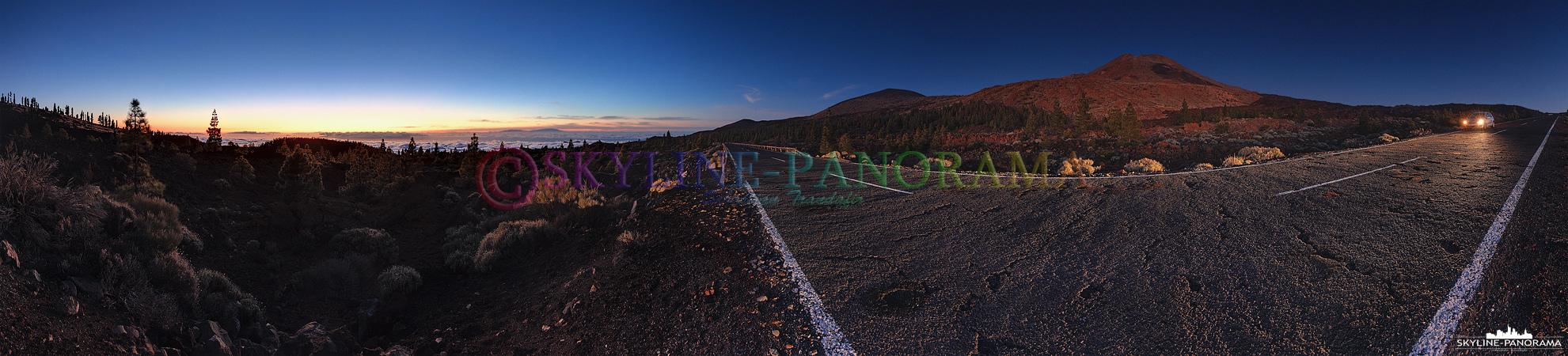 Am Abend unterwegs im Teide Nationalpark auf der Insel Teneriffa - Das Panorama zeigt den Gipfel des über 3700 Meter hohen Teides im Sonnenuntergangsleuchten.