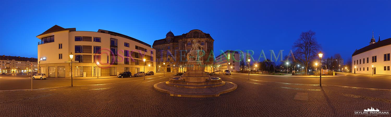 Panorama Sachsen Anhalt - Das Denkmal von Otto von Guericke in der Magdeburger Innenstadt, unweit des Alten Rathauses.