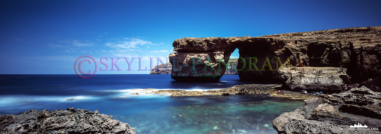 Die Felsformation Azure Window befand sich im Westen der maltesischen Insel Gozo, sie zählte zu den bekanntesten Sehenswürdigkeiten der Republik Malta...