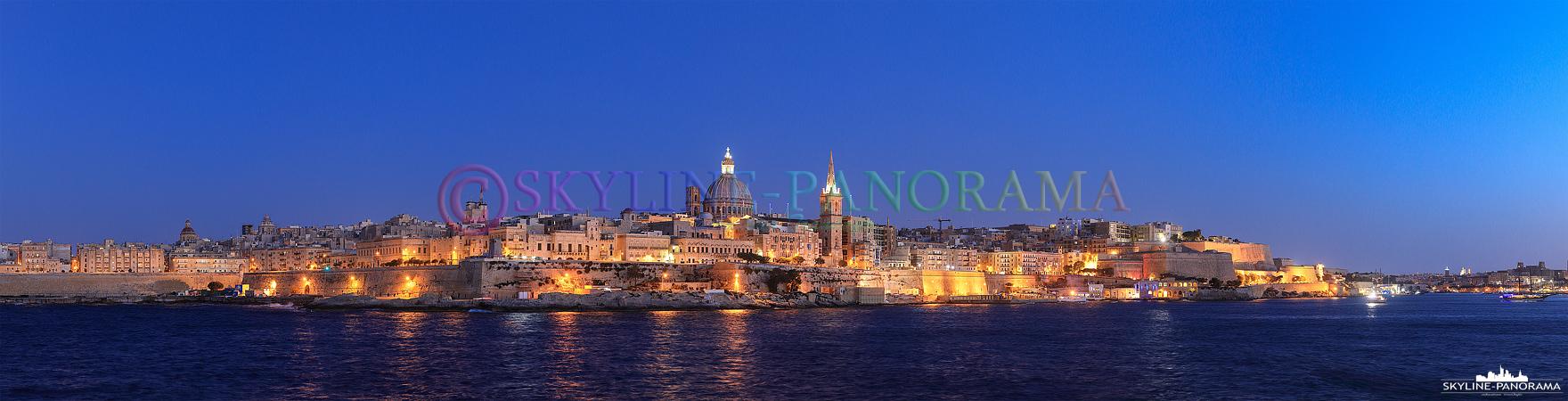 Abendliche Stadtansicht auf Valletta, die Hauptstadt der Republik Malta.