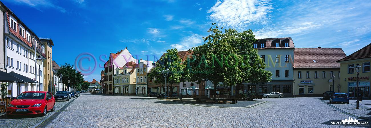 Der Marktplatz von Hettstedt als Panorama.