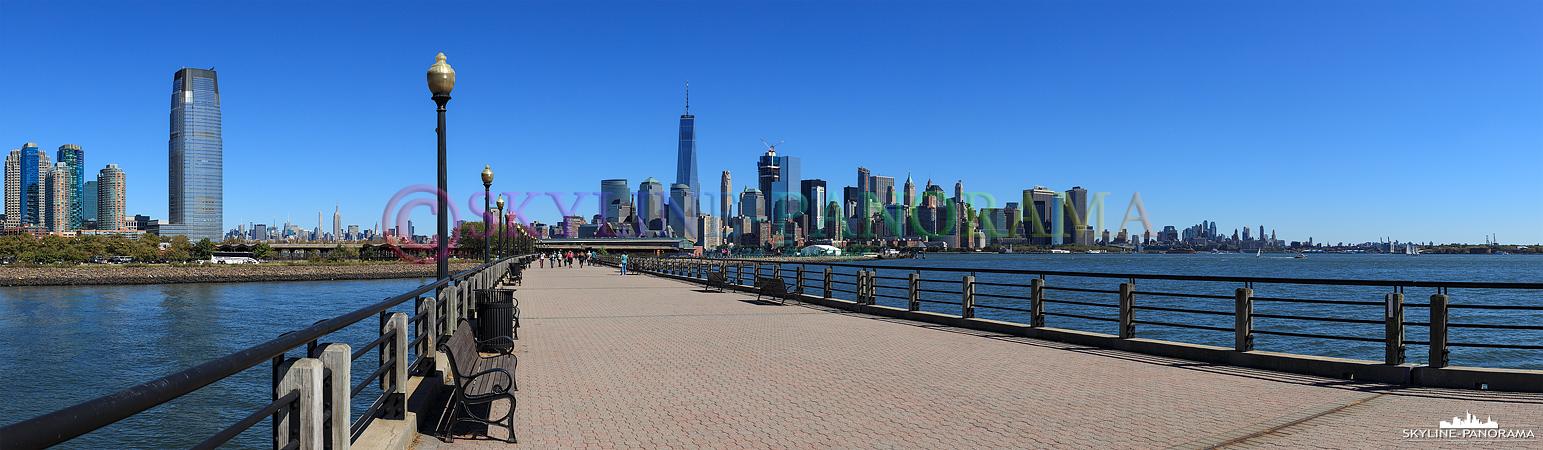 Bilder Manhattan - Die Skyline der Südspitze von Manhattan vom Liberty State Park aus gesehen.