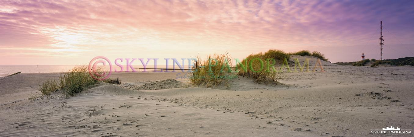 Bilder Norddeutschland – Dünen im Abendlicht am Strand der Nordseeinsel Borkum, bei dieser Aufnahme handelt es sich ebenfalls um ein echtes Panorama im 6x17 Format, welches auf Fuji Provia 100F Dia - Rollfilm aufgenommen wurde.