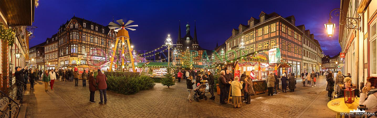 Einer der beliebtesten Weihnachtsmärkte in der Region rund um den Harz ist der Wernigeröder Weihnachtsmarkt, zahlreiche Stände und Buden laden im festlich geschmückten Ambiente zum Verweilen ein.