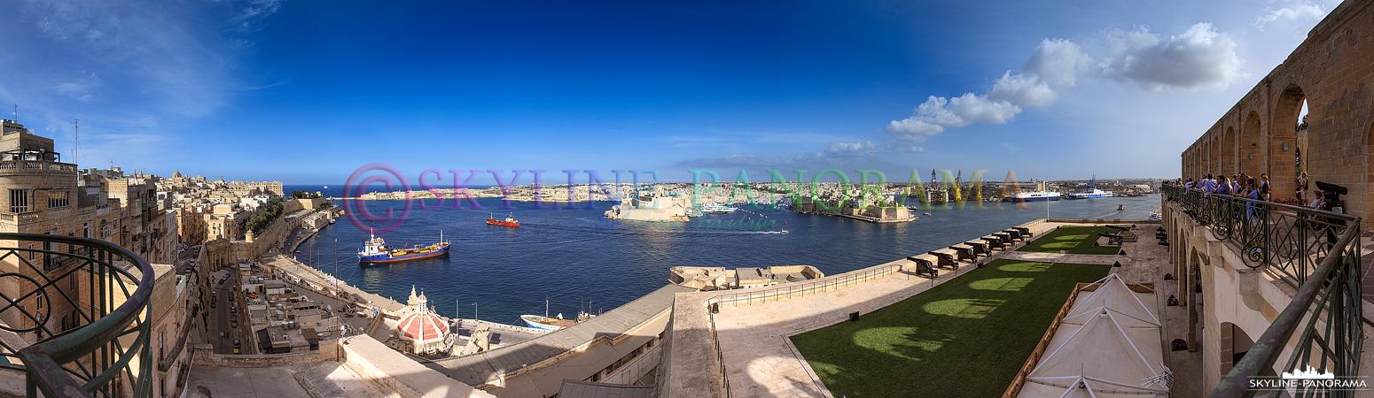 Bilder aus Valletta - Ausblick von den Upper Barrakka Gardens auf den Hafen von Malta.