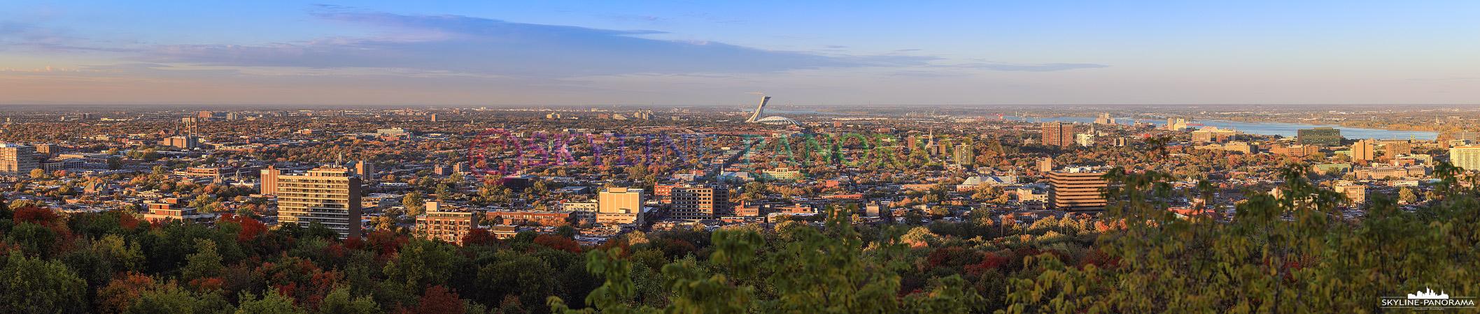 Aussicht vom Mont Royal auf den Nordosten der kanadischen Metropole Montreal. Im Zentrum ist das Olympiastadion mit seinem schiefen Olympiaturm zu sehen.