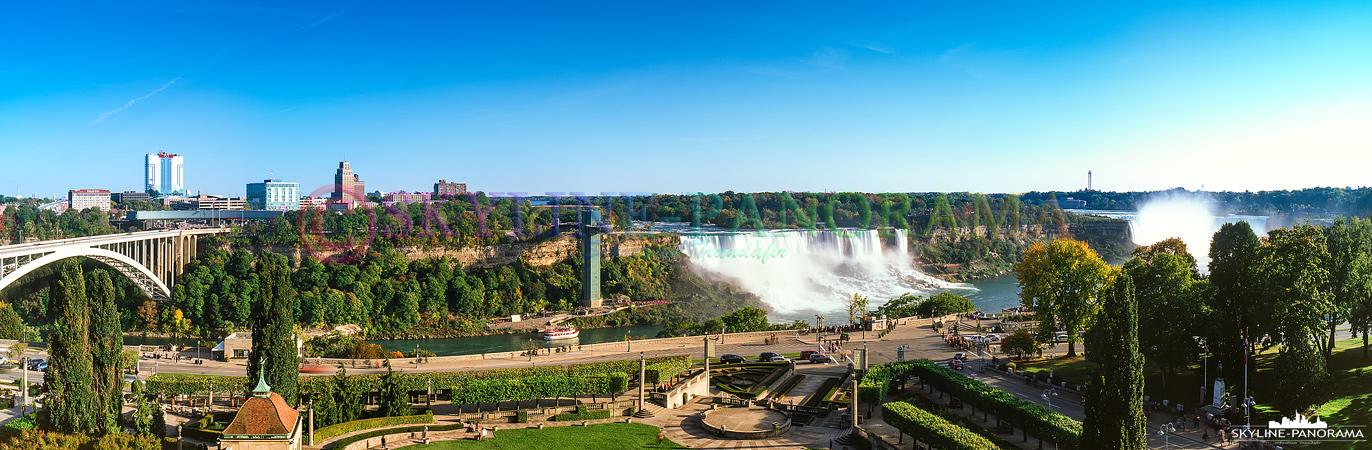 Bilder Kanada - Ein 6x17 Panorama aus zwei einzelnen Aufnahmen von der kanadischen Seite aus auf die berühmen Niagara Wasserfälle im Osten Kanadas.